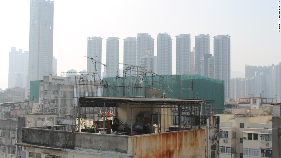 Rooftop houses are usually found in Hong Kong&;s old urban areas such as Sham Shui Po, Yau Ma Tei and Kwun Tong. These structures hailing from the 1950s that made room for the influx of immigrants still remain, even though it is illegal to construct additional structures on top of buildings.