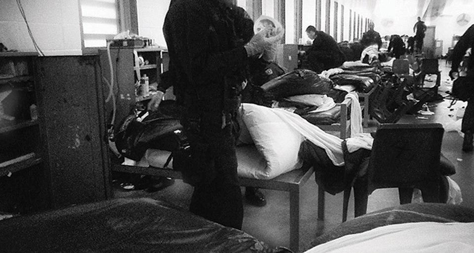 Секс в тюрьме охранники видят фото 167-25