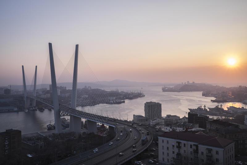 Бухта Золотой Рог во Владивостоке. Василий Колотилов для Los Angeles Times