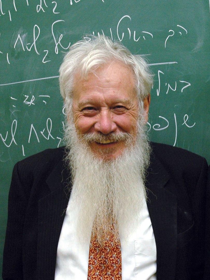 Роберт Ауманн ввел понятие коррелированного равновесия. Собственность доктора Роберта Д. Ауманна